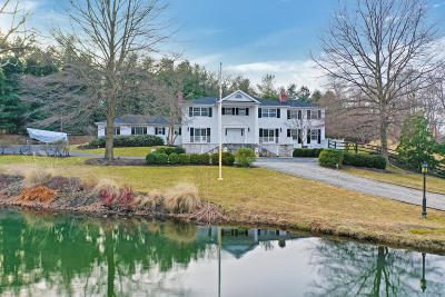 Red Bank Single Family Home For Sale: 589 Navesink River Road
