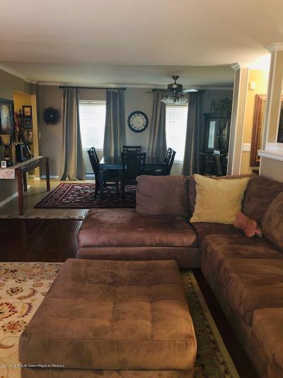 Eatontown NJ Condo/Townhouse For Sale: $89,900