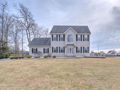 Single Family Home For Sale: 15 Huckleberry Lane