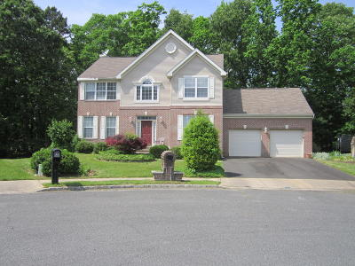 Howell Single Family Home For Sale: 10 Shannon Court