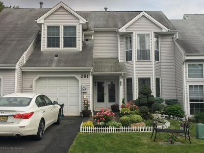 Freehold Condo/Townhouse Under Contract: 291 Daisy Drive