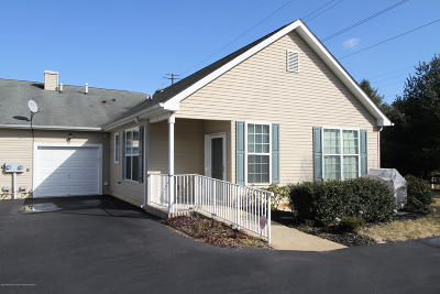 Whiting NJ Adult Community For Sale: $124,900