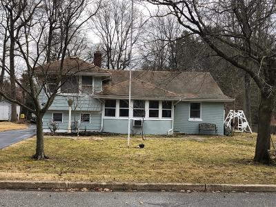 Eatontown NJ Single Family Home Under Contract: $329,000