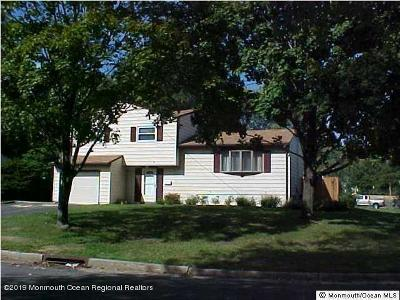 Middletown Single Family Home For Sale: 9 Brentwood Terrace