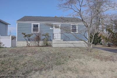 Wall Single Family Home Under Contract: 1433 Edgemere Road
