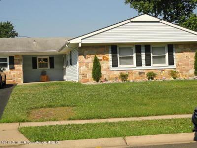 Aberdeen, Matawan Single Family Home For Sale: 44 Brookview Lane
