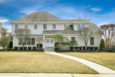 Ocean Twp Single Family Home For Sale: 19 Standish Drive