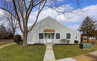 Monmouth County Adult Community For Sale: 108f Henley Court #1000