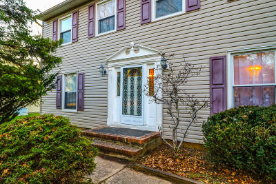 Single Family Home For Sale: 38 Friar Lane