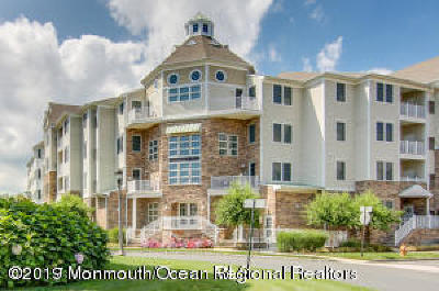 Monmouth County Condo/Townhouse For Sale: 33 Cooper Avenue #307