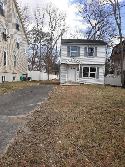 Lakewood Single Family Home For Sale: 975 E End Avenue