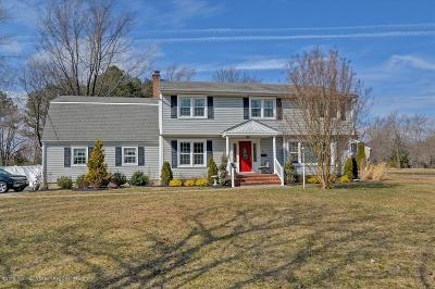 Freehold Single Family Home For Sale: 67 Hampton Drive