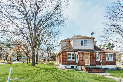 Lakewood Single Family Home For Sale: 1040 Central Avenue