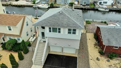 Toms River Single Family Home For Sale: 20 Lagoon Drive