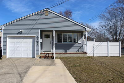 Point Pleasant Single Family Home For Sale: 1132 Hollywood Boulevard