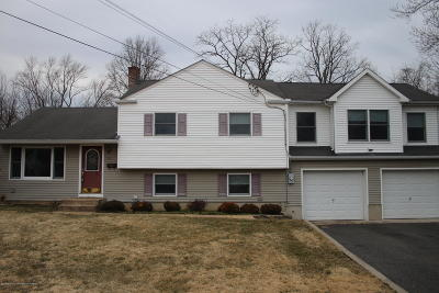 Ocean County, Monmouth County Single Family Home For Sale: 55 Pedee Place
