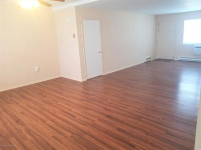 Eatontown Condo/Townhouse Under Contract: 68 White Street #C