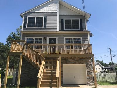Keansburg Single Family Home For Sale: 4 Saint Marks Place