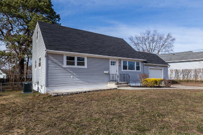 Toms River Single Family Home For Sale: 14 Hummel Drive