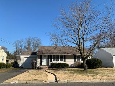 Middletown Single Family Home For Sale: 23 Crestview Drive