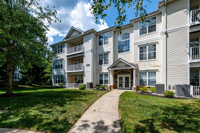 Manalapan Condo/Townhouse For Sale: 569 Saint Andrews Place