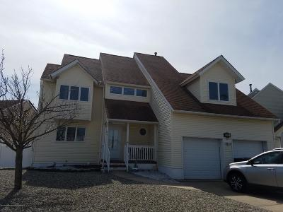 Ocean County Single Family Home For Sale: 200 Clew Court