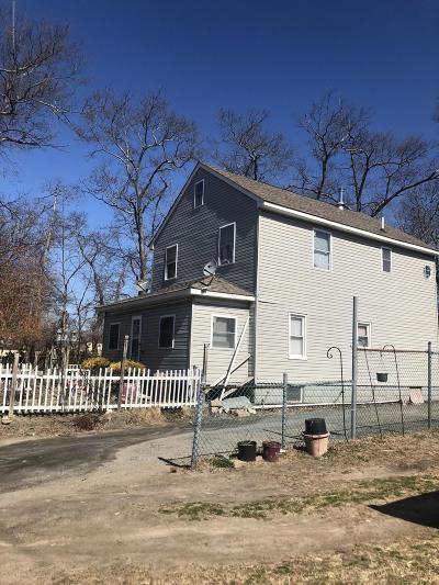 Lakewood Single Family Home For Sale: 809 Cross Street