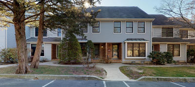 Toms River Condo/Townhouse For Sale: 203 Bent Trail