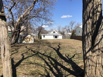 Single Family Home For Sale: 108 Central Avenue
