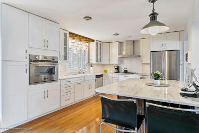 Atlantic Highlands Single Family Home For Sale: 48 8th Avenue