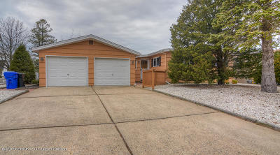 Brick Single Family Home For Sale: 112 Royal Drive