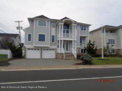 Sea Bright Single Family Home For Sale: 1486 Ocean Avenue