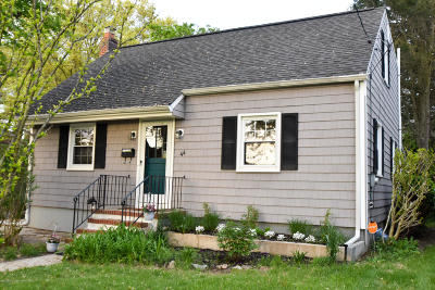 Eatontown Single Family Home For Sale: 44 Irving Place