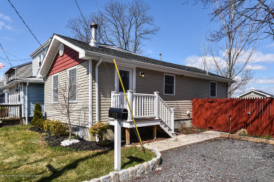 Hazlet Single Family Home For Sale: 123 6th Street
