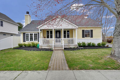 Manasquan Single Family Home For Sale: 100 Lakewood Road