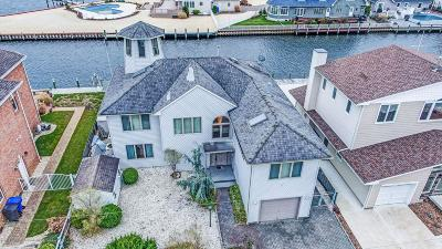 Toms River Single Family Home For Sale: 215 S Shore Drive