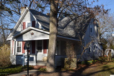 Wall Single Family Home Under Contract: 1730 L Street