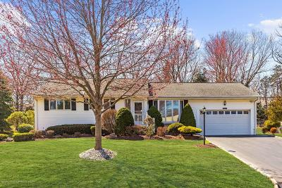 Holmdel Single Family Home Under Contract: 11 Knollwood Road