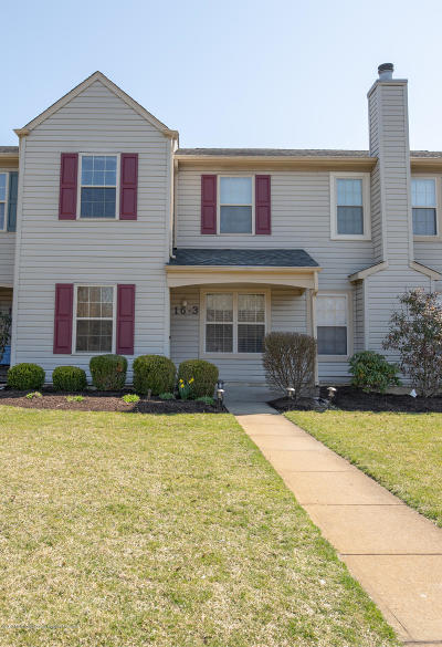 Freehold NJ Condo/Townhouse Under Contract: $239,900