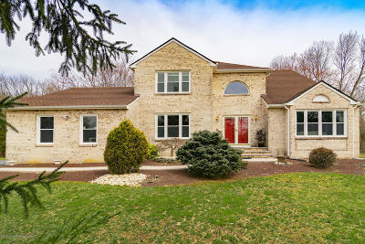 Freehold Single Family Home For Sale: 5 Doe Drive
