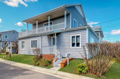 Sea Bright Single Family Home For Sale: 556 Ocean Avenue