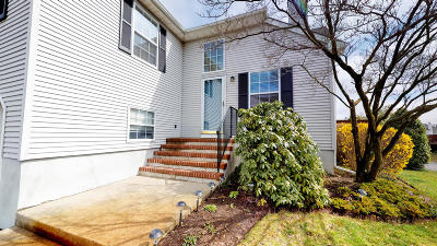 Wall Condo/Townhouse For Sale: 120 Racquet Road