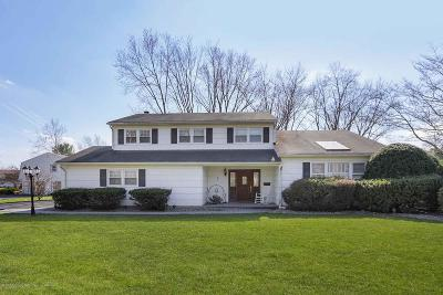 Freehold Single Family Home For Sale: 5 Musket Lane