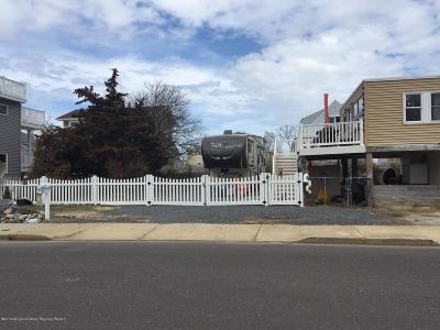 Long Beach Twp Single Family Home For Sale: 107 W Delaware Avenue