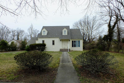 Deal Single Family Home Under Contract: 77 Parker Avenue