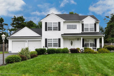 Manchester Single Family Home For Sale: 12 Woodland Court