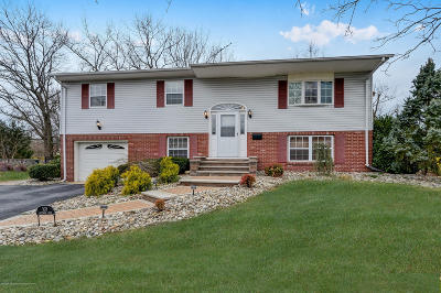 Howell Single Family Home For Sale: 108 Greymoor Road