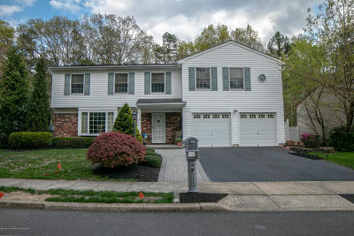 Howell Single Family Home For Sale: 8 Feathertree Court