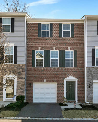 Freehold Condo/Townhouse For Sale: 217 Chickadee Court #1000