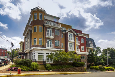 Red Bank Condo/Townhouse For Sale: 11 Wharf Avenue #8